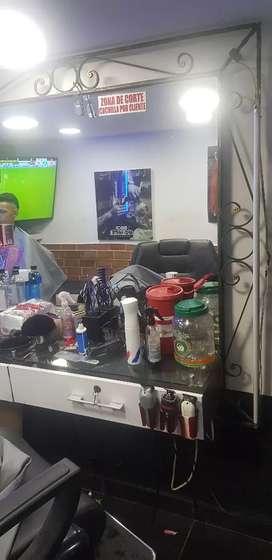 Vendo mueble espejo de barberia