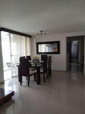 Apartamento ubicado al sur de cali cerca a la estacion universidades, consta de 3hab 2baños estudio sala comedor balcón