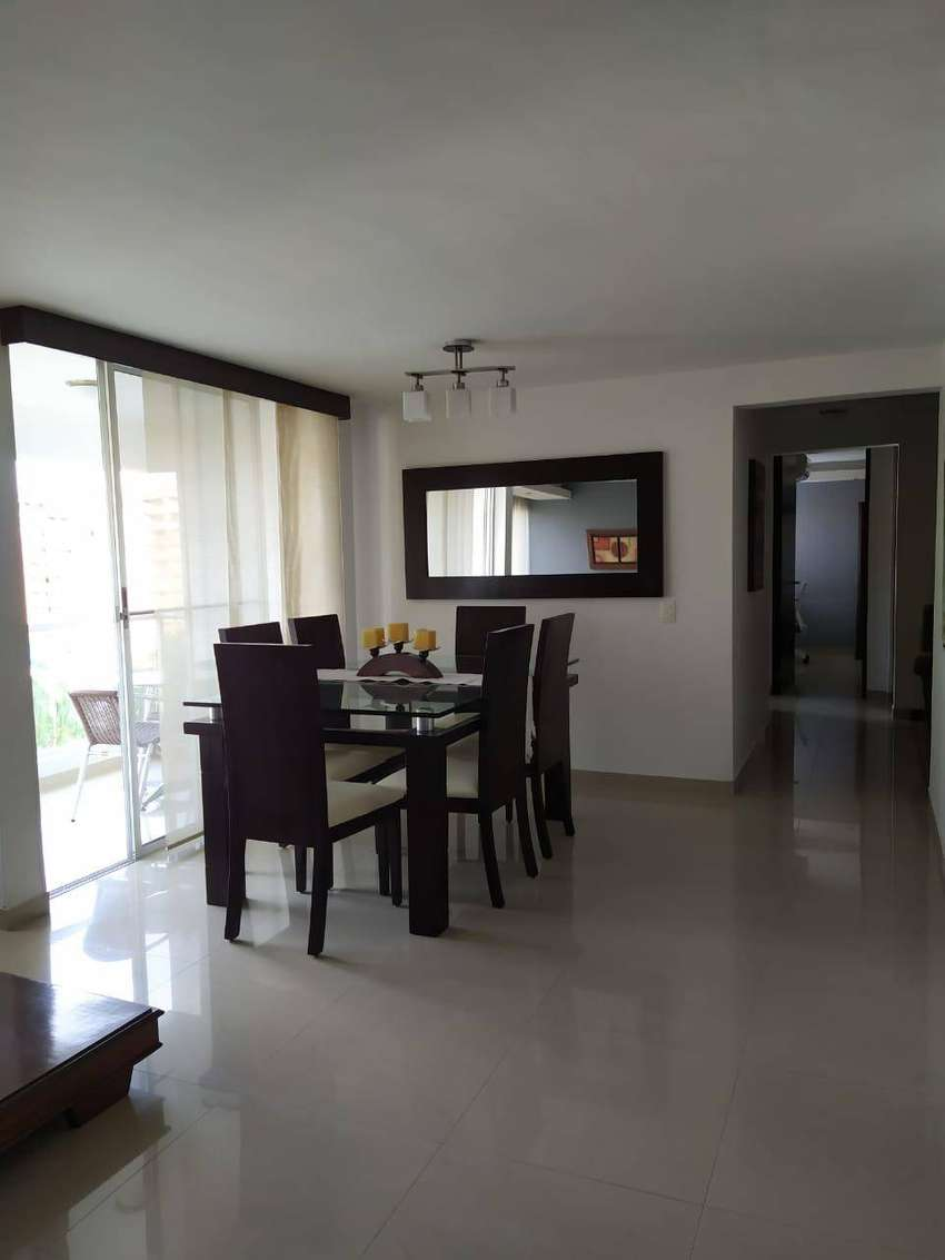 Apartamento ubicado al sur de cali cerca a la estacion universidades, consta de 3hab 2baños estudio sala comedor balcón 0