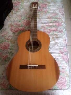 Guitarra alhambra collegue