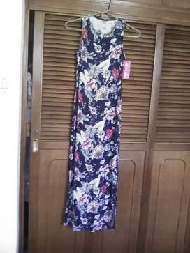 Vendo un vestido largo nuevo talla M