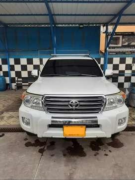 Toyota sahara Land cruiser 200 4.5 Diesel Blindaje 2 plus.