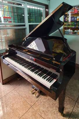 Piano De Cola Marca Yamaha Modelo G3