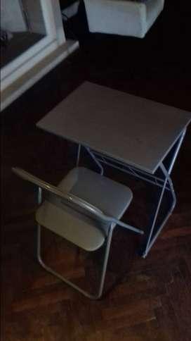 Mesa y silla pegable