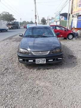 Vendo Toyota avensis  1998