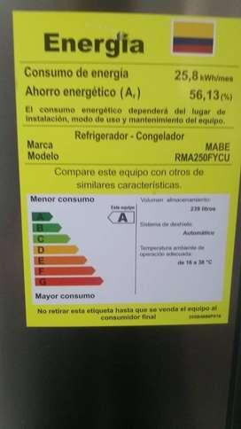 nevera Mabe  No frost  250 lts brut ahorradora de energia con17 meses de uso