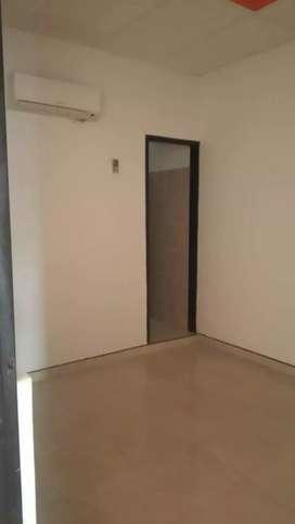 Vendo casa amplia totalmente terminada con muy buena ubicación. Económica