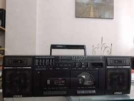 Vendo radiograbador con AM/FM  doble casetera