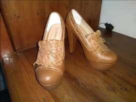 Tacones - zapatos en cuero marca Cosmos