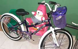 Vendo hermosa bicicleta playera para señorita.precio negociable