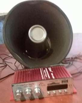 se vende o se  cambia por celular amplificador marca kinter MA 120 con su parlante para publicidad