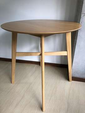 Mesa de Madera - usado Tugo