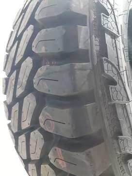 Neumático Pirelli Scorpion MTR 245/70R17 equipo original TOYOTA HILUX 2017 EN ADELANTE