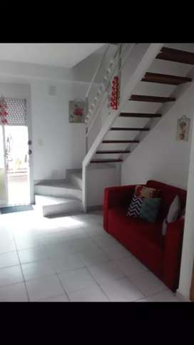 VENDO DUPLEX 3 AMBIENTES C PATIO