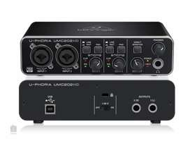 Interfaz audio Behringer umc 202hd