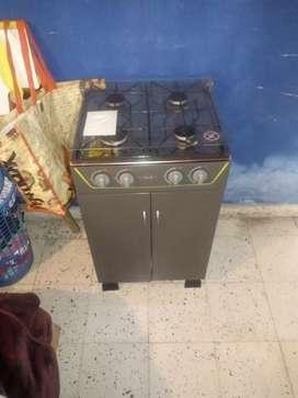 Vendo estufa haceb  tiene 3 meses de uso como nueva