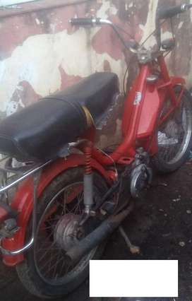 Ciclomotor 50cc con papeles. detalles
