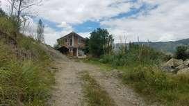 De venta hermosa Quinta vacacional con amplia casa y amplio terreno 11000 mts ubicada en el sector certag via gualaceo