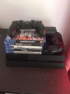 PS4 DOS JOYSTICK Y 10 JUEGOS