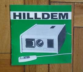 Proyector de Diapositivas Super HILLDEM AutoAce N 24. Con Estuche y Control Remoto Ultrasónico. Impecable estado