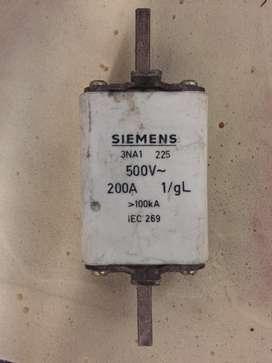 Fusible Siemens 500v 200Amp