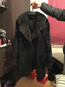 Abrigo dama negro como nuevo