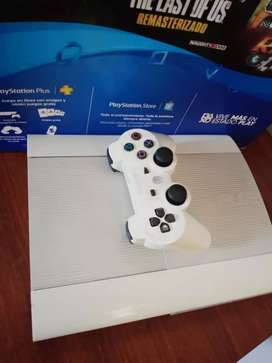 PS3 súper Slim liberada 250gb + 22 juegos + 1 control en perfecto estado original