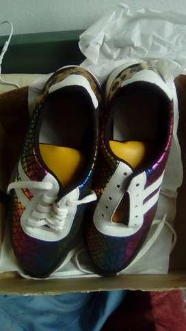 Zapatillas mujer modernas