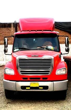 Vendo Tracto Freightliner M2 112 año 2009