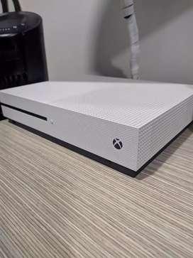 Xbox One S de 500gb con Control Competitivo