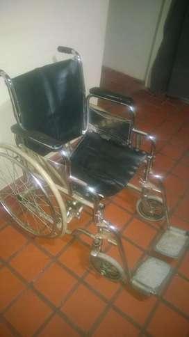 Silla de ruedas plegable - usada