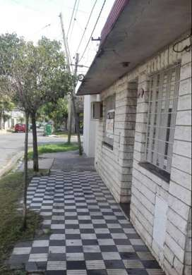 Casa Zona Sur, ciudad de Rosario ,Italia al 4500 amplia 2 flias