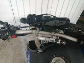 Mt 09 con muchos accesorios originales