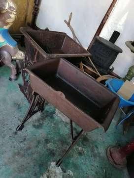 Antiguos lavaderos de hierro fundido.