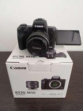 CAMARA CANON M50 KIT 16-50