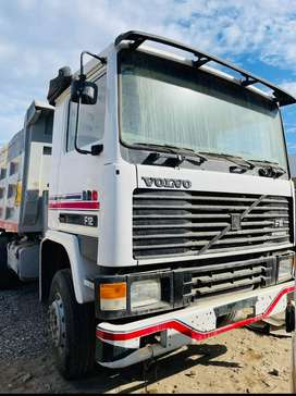 Volquete Volvo F12 / 400HP