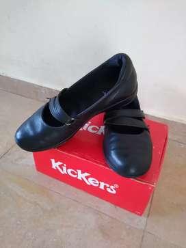 Zapatos tipo guillermina Kickers