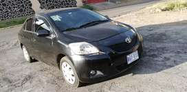 Vendo Yaris excelente estado.