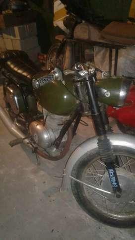 Moto clásica antigua