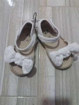 Zapatillas H&M talla 22 y 23. Nuevas