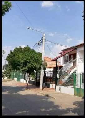 VENDO CASA DE DOS PISOS CONSTA DE DOS APARTAMENTOS INDEPENDIENTES