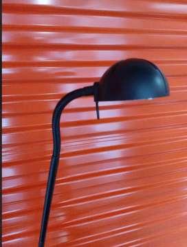 Lámpara de pie IKEA Cuello ganso flexible direccionable cómodo Interruptor de botón bombillo halógeno excelent iluminaci