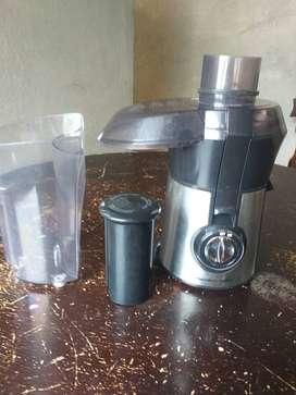 Extractor  de jugos en piñas