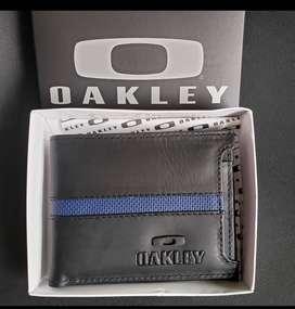 Billetera oakley caja marcada
