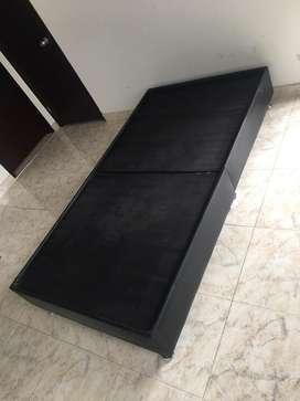 Base cama sencilla poco uso.