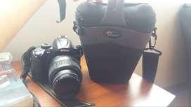Cámara Nikon D5000 Incluye caja original, estuche y manual. Buen estado.