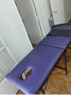 Camilla plegable para masajes y/o estética con funda.