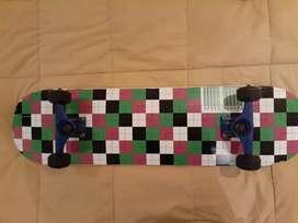 Skate con tabla speed demon ruedas ricta y tracks frontage sin uso