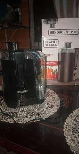 se vende extractor de jugos  BLACK+DECKER