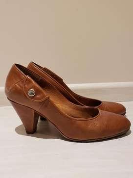 Zapatos de Cuero Nro 38